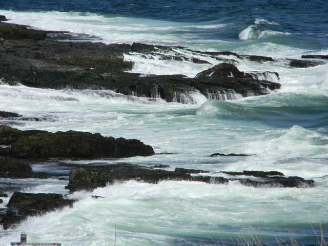 Rough surf Ogunquit 3